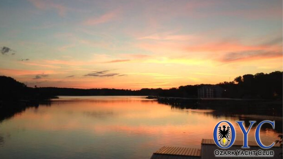 Enjoy both the fun activities and the peaceful landscapes at the Lake of the Ozarks when you book with Ozark Yacht Club.  This view is from one of our gorgeous Highline houses.  Call 573-552-8401 to reserve an incredible summer vacation!🌊🌅✨  #OYC #sunset