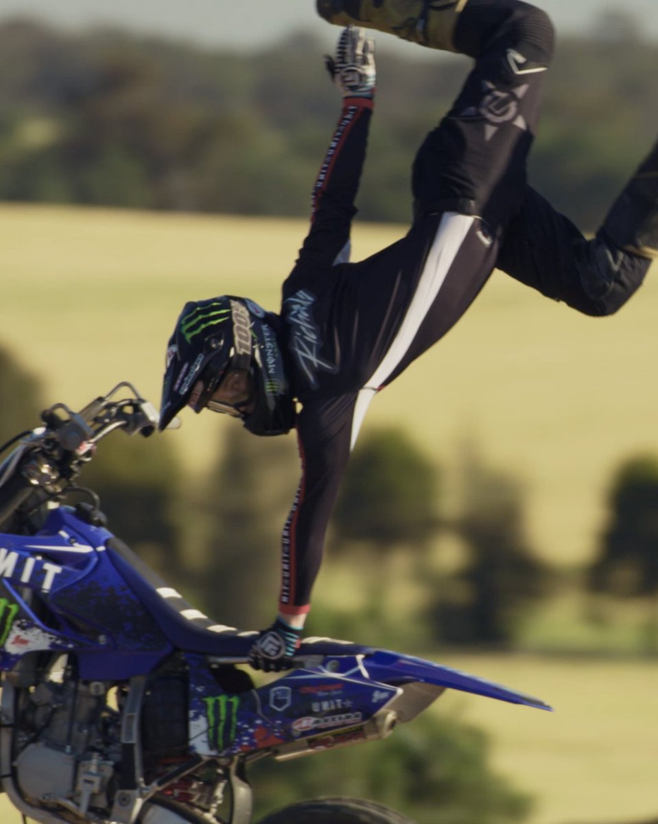 The youngest hope in FMX: Benny & Tommy Richards 🔥  Now playing: https://t.co/SycWyNVd8r  ⛽️: Monster Army #MonsterArmy #Moto #DirtBike #MonsterEnergy https://t.co/ClKlrYLVBF