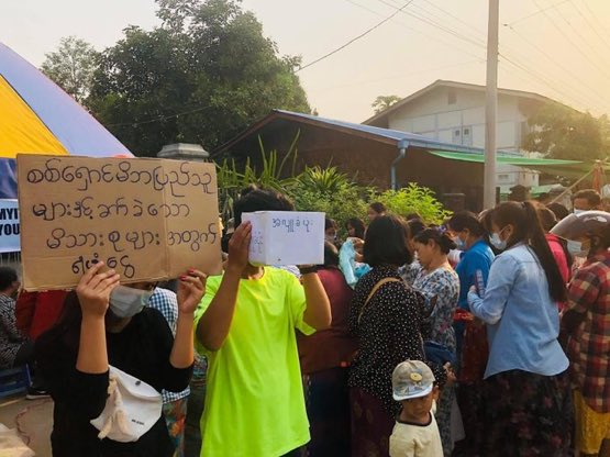 #Myitkyina Young's Fundraising Campaign for the Refugees & poor families due to the military coup.  #Apr14Coup #WhatsHappeningInMyanmar @RapporteurUn @DrSasa22222 @SchranerBurgen1 @USAmbUN @SAdamsR2P https://t.co/qjUTqegWyd