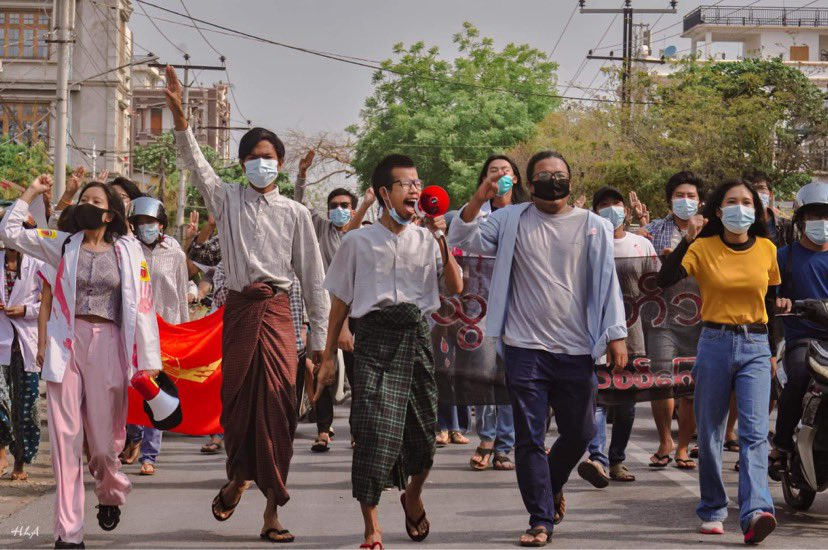 In Mandalay this morning.  #WhatsHappeningInMyanmar #Apr14Coup #MilkTeaAlliance https://t.co/vwEFUQRdHP