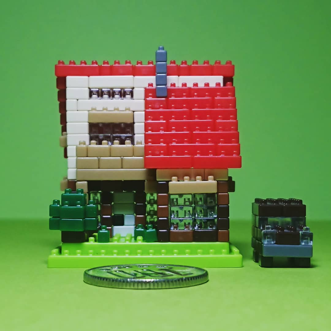 プラモブロックで作ったお家です。 #プラモブロック #plamoblock #ブロックの家 #ブロックの建物 #車 #car #LEGO #nanoblock #stayhome https://t.co/MIUMvh4Ij9