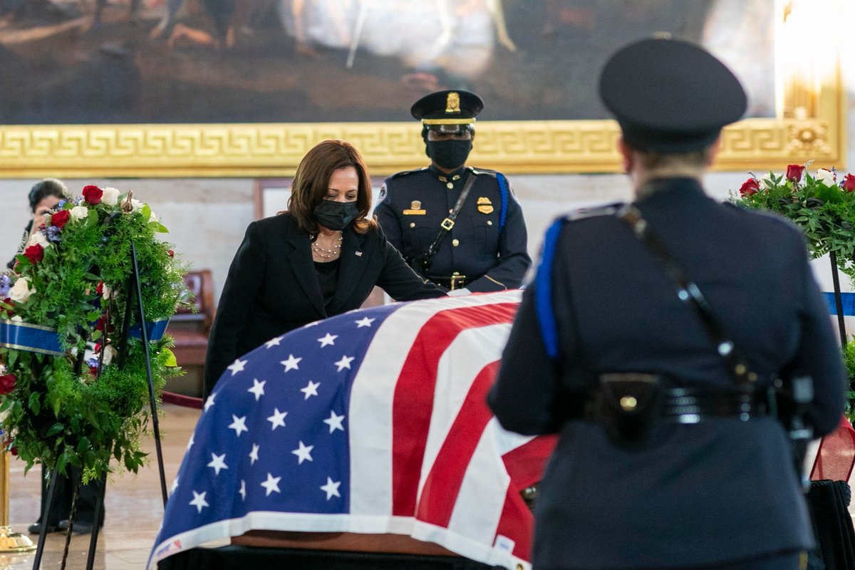 Officer William Evans sacrificed his life to protect the Capitol. He was an American hero. Today, our country mourns with his family, loved ones, and fellow US Capitol Police Officers and other security personnel who risk their lives to protect the Capitol every day. https://t.co/r8DJhB9IDw