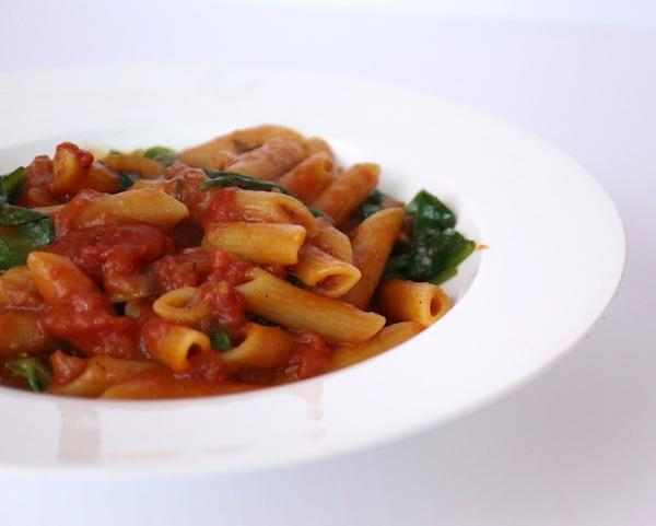 Pasta a la Pomarola, a simple pantry-staple tomato sauce that's so good! #vegan #italian #searchingforitaly #saltfatacidheat