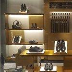 Image for the Tweet beginning: Diseño de locales comerciales modernos