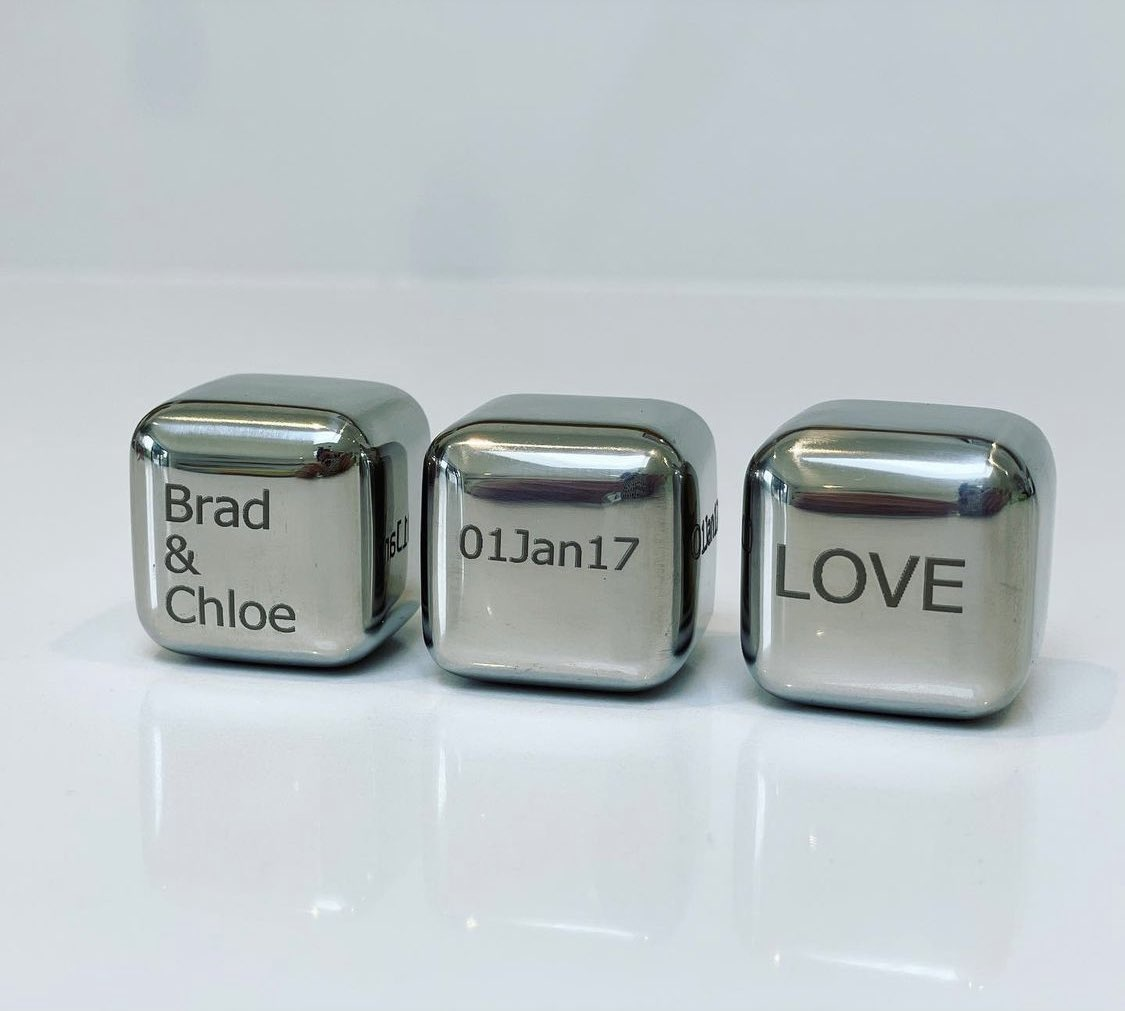 NEVER FORGER THAT SPECIAL OCCASION AGAIN 🥰😉   Make a toast to your anniversary, birthday and special occasions 🥂   1️⃣Set of 3  2️⃣Reusable Food Grade Stainless Steel  3️⃣Supplied in a gift bag  4️⃣Custom orders welcomed 🙏   #Anniversary #happybirthday #love  #NationalBeerDay https://t.co/KtapOY61WW