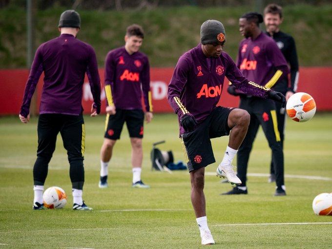 Pemain Manchester United Amad Traore menjalni latihan