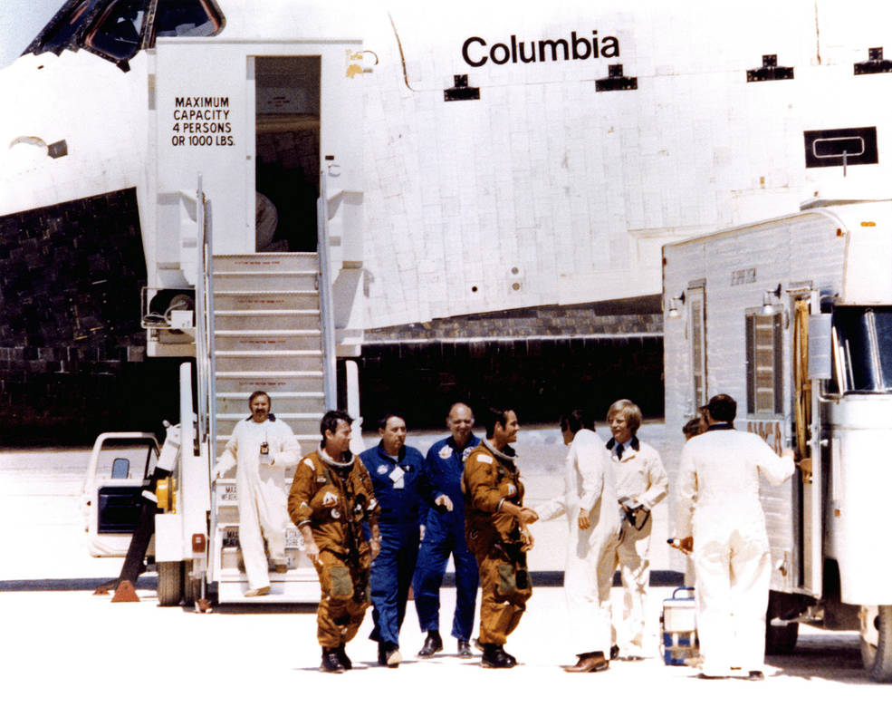 🚀🌎 #OTD: 40 years ago today, our space shuttle Columbia completed its first voyage into space with Commander John W. Young & Pilot Robert L. Crippen on board, starting the Shuttle Program's incredible 30-year run.  👀 Take a look back with us: