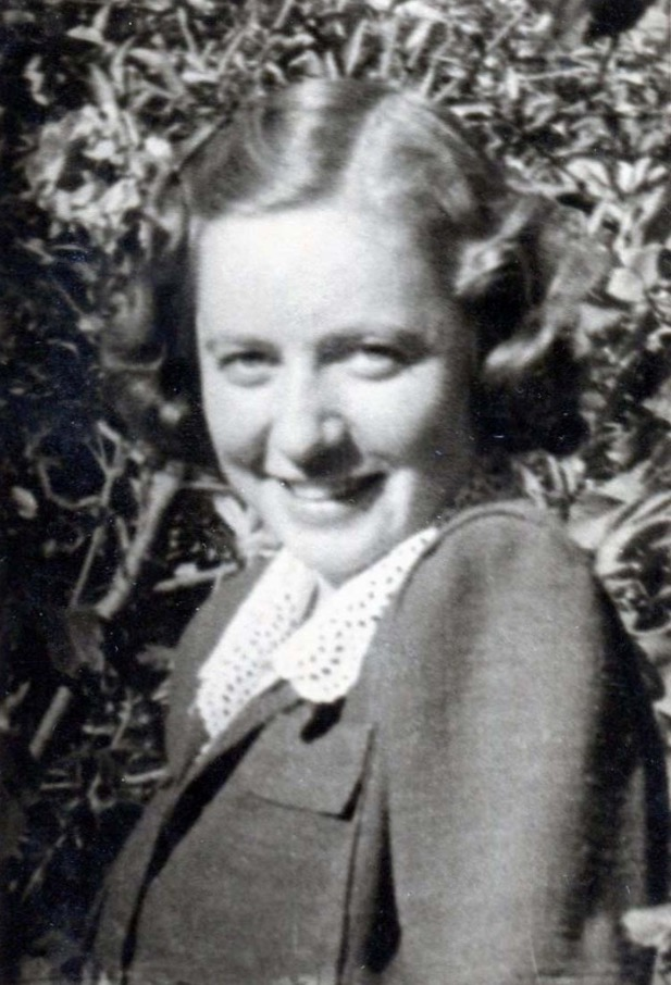 3 April 1915 | A Hungarian Jewish woman, Margit Varga, was born in Ujpest.  In 1944 she was deported to #Auschwitz. She did not survive. https://t.co/Rm3JbyjhMv