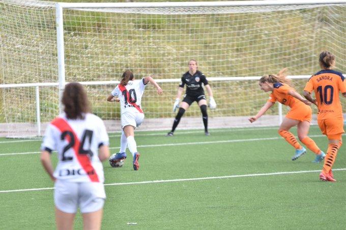 Sheila en el primer gol del Rayo   Imagen: Rayo Femenino