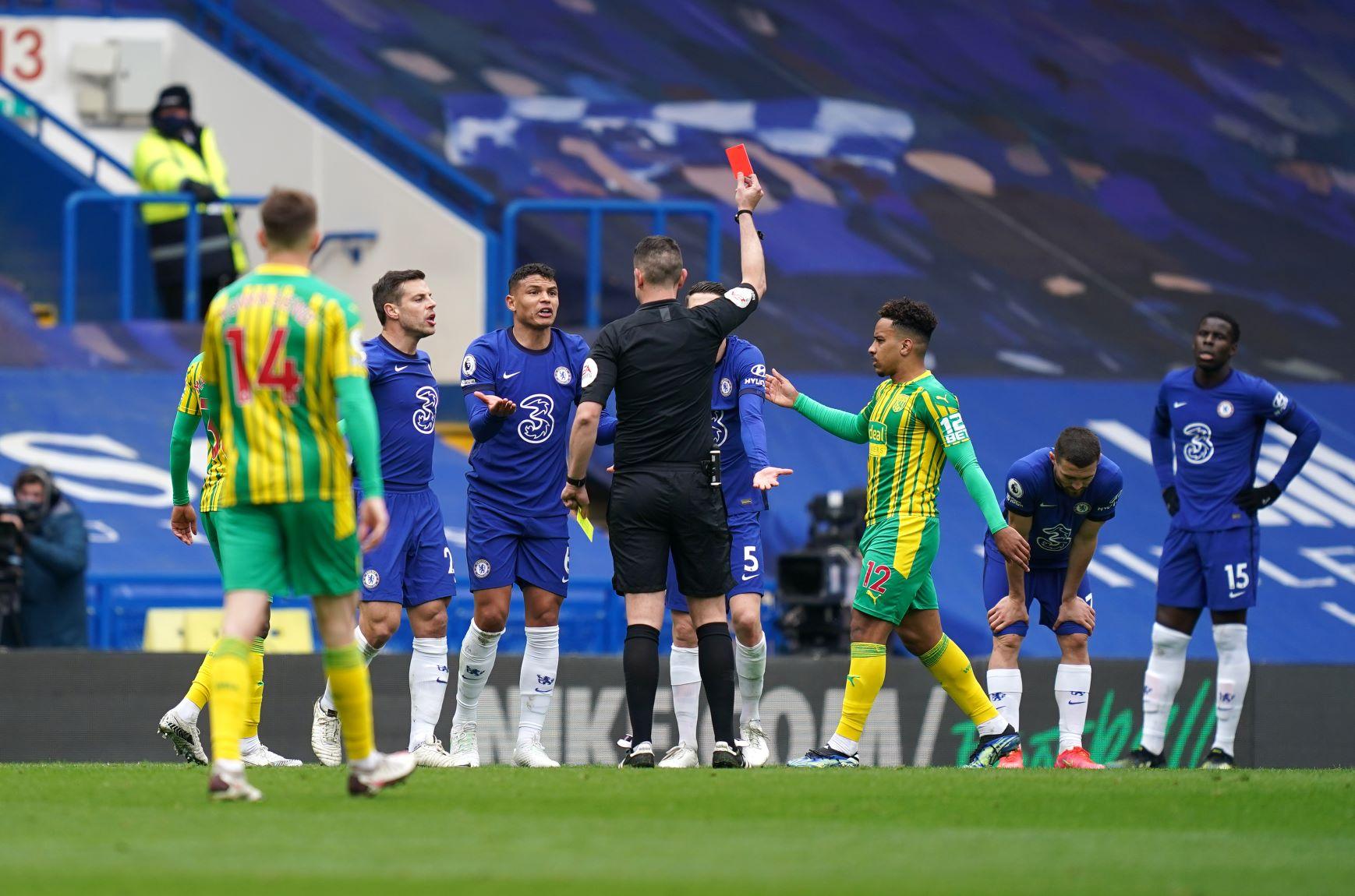 Thiago Silva recibió la tarjeta roja y dejó a Chelsea con 10 hombres