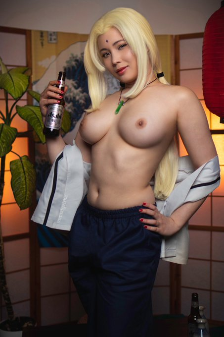 1 pic. Would you like to share a drink with Tsunade?   RT if yes 🖤  See below for more 🖤 https://t.c
