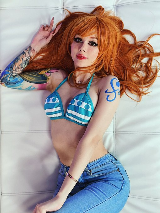 2 pic. Who wanted to see me as Nami?:) https://t.co/3zgmR38WBK