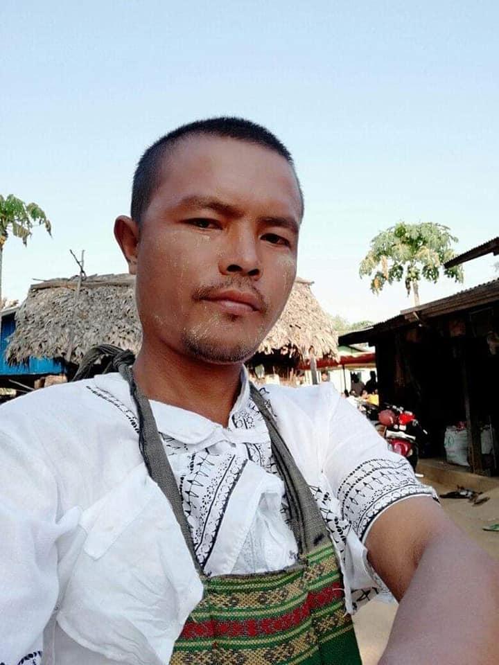 Ko Aung Kyaw & Ko Tin Maung Myint were abducted by Terrorists (#Myanmar security forces) on Apr 2 when terrorists raided Tha Pyay Aye village, Yin Mar Bin Tsp, Sagaing Region.  Both were tortured to death. Got back their bodies on Apr 4.   #WhatsHappeningInMyanmar #Apr5Coup https://t.co/arY6RJdikf