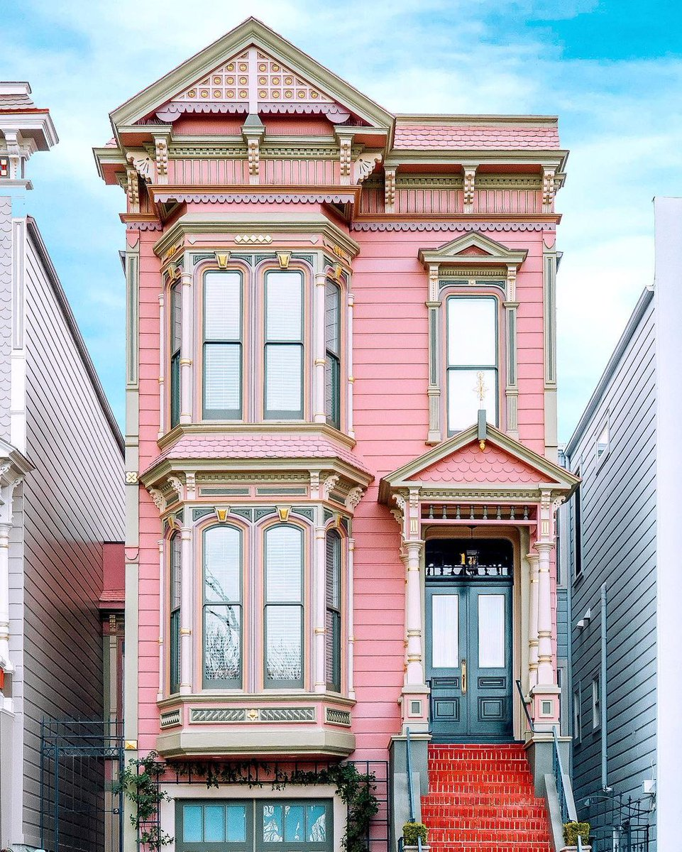 #Architecture Awesome of the Day ⭐ ➡️ Pink #Victorian House 🏠 in #SanFrancisco #California #USA 🇺🇸 via @architectourGD #SamaPlaces 🗺️ ➡️ View More #SamaCollection 👉 https://t.co/Kugls40kPu