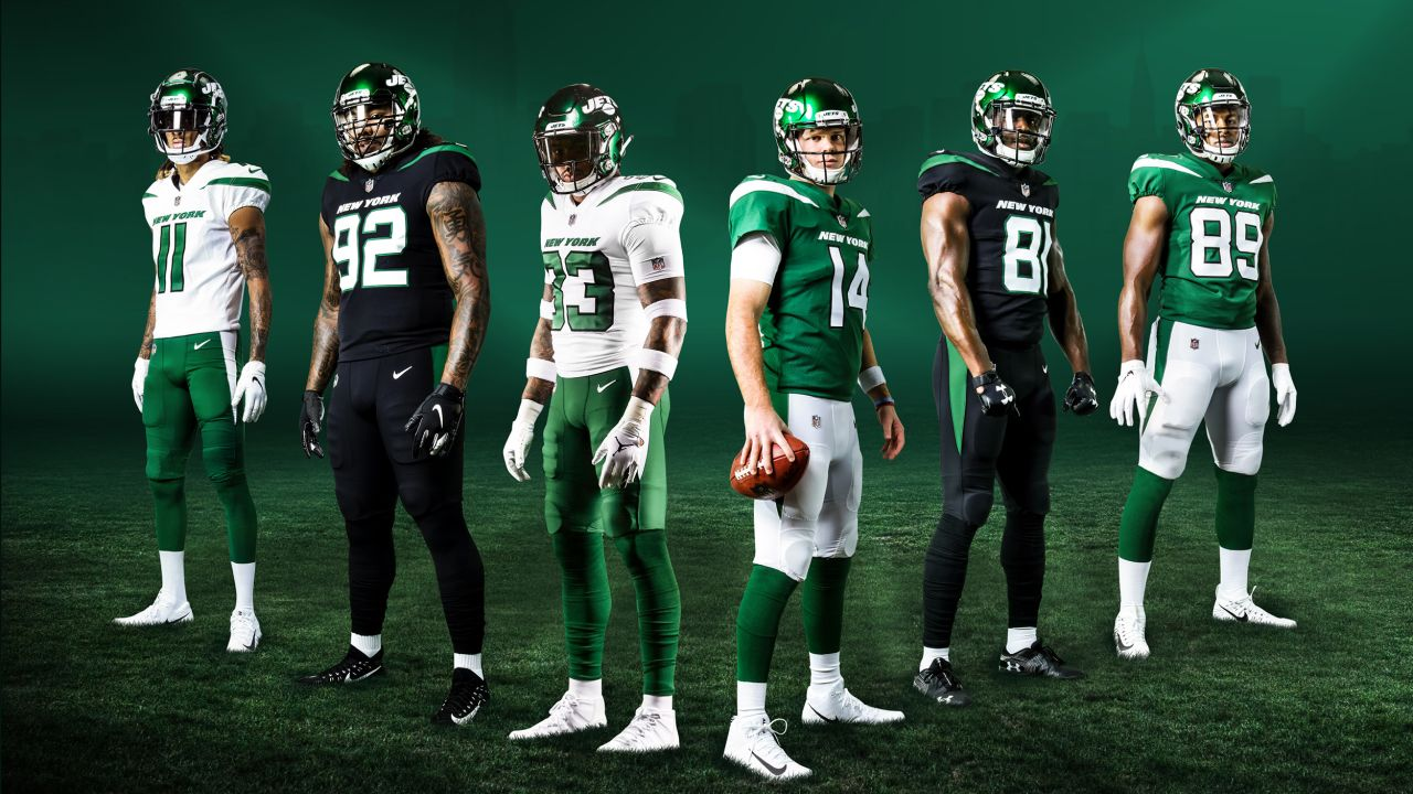 Chris Herndon only remainder from Jets' 2019 jersey reveal photo