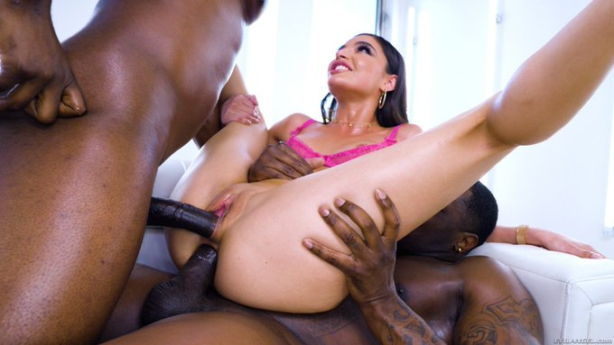 2 pic. I belong with two cocks inside me 😈😈😈 @EvilAngelVideo https://t.co/UtoHxEQIk3