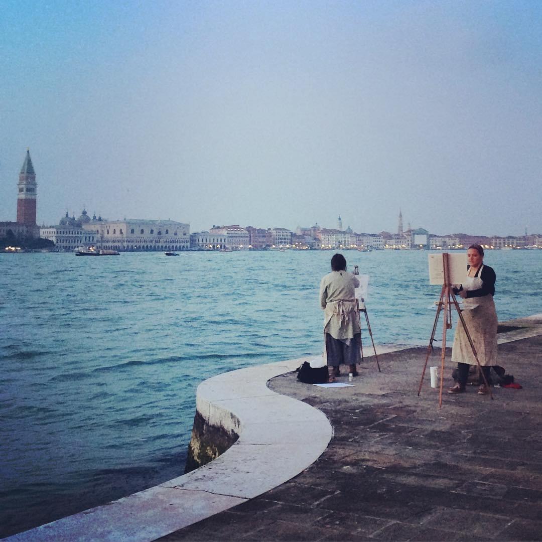 RT @rominvenice: Buongiorno #venezia! Pronti a dip...