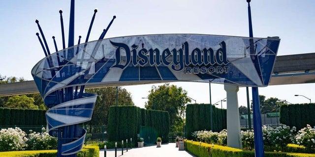 @ComicBookNOW's photo on Disneyland