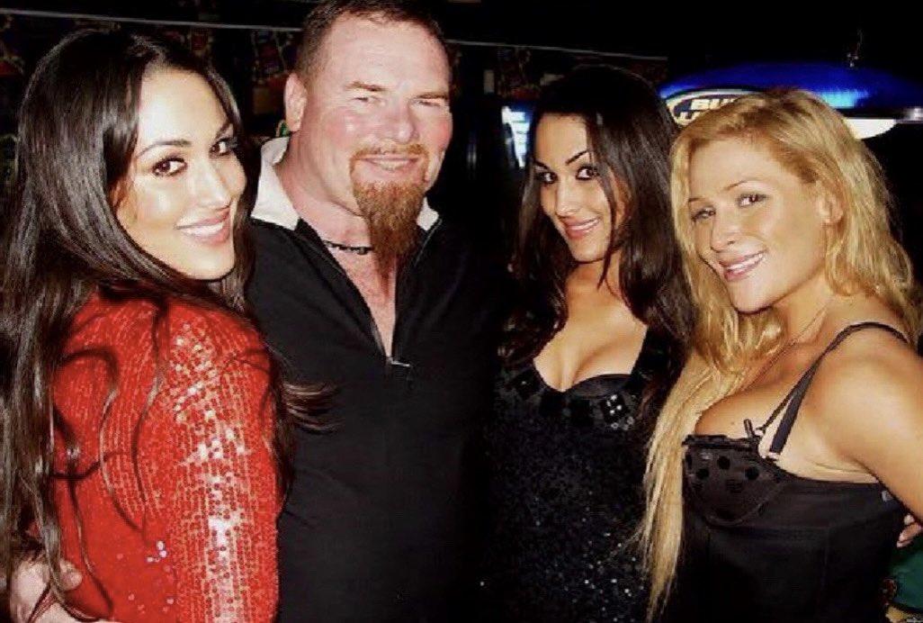 @NatbyNature's photo on #WWEHOF