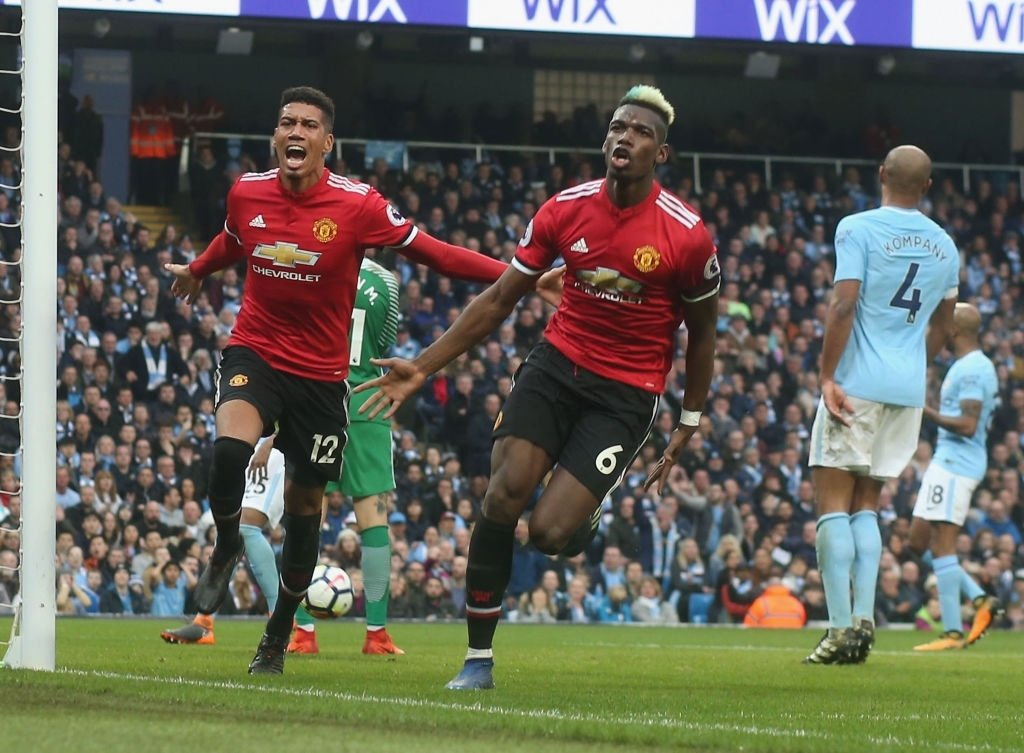 #OnThisDay 🗓 In 2018, Paul Pogba and Chris Smalling were the ⚽ scorers and Alexis Sanchez with 2️⃣ Assists had his best performance in a #ManUtd shirt as #ManUtd beat #ManCity preventing them from winning the title on their own turf!  #OTD #ManchesterDerby #GGMU 🔴 https://t.co/HFvGHmFsiC