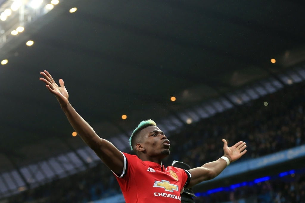 Thanks to this man, I hadn't had one of my worst nightmares ever in my life Man City win the derby, they celebrate winning the league in front of our faces  One of the best comebacks ever seen for us  Man CITY 2-3 Man UTD, Etihad Stadium 2018  #OTD #MUFC #MCIMUN https://t.co/ta8tgRgWI0