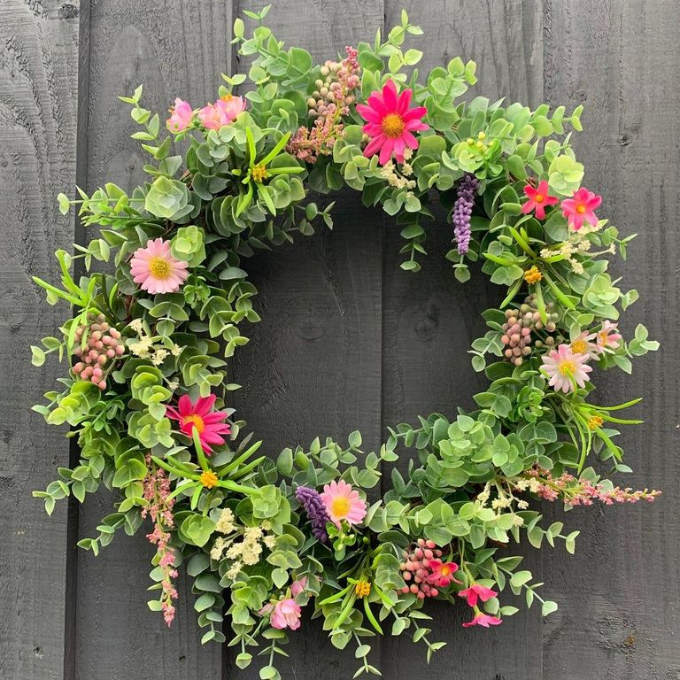 test Twitter Media - Looking to give your front door a spring makeover? This article from @HB features 35 stunning Spring wreaths that are perfect for giving your home a fresh new look! Check it out here: https://t.co/iwQbuVAODv #SpringWreaths #SpringDecor  Image: Etsy https://t.co/7FXNLOAIMC