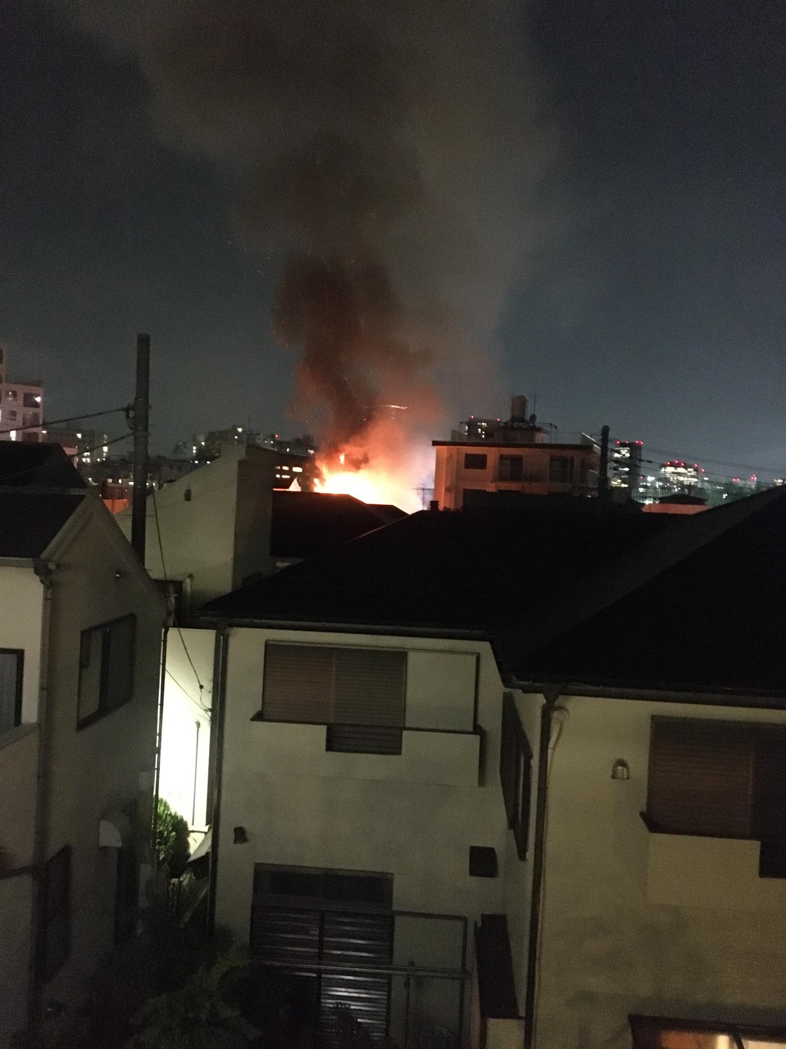 画像,火事近い https://t.co/XxeCiaTBnP。