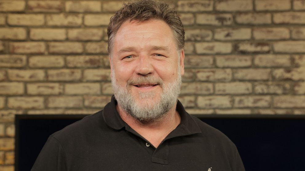 Happy 57th birthday to Russell Crowe. What is your favorite Crowe movie?