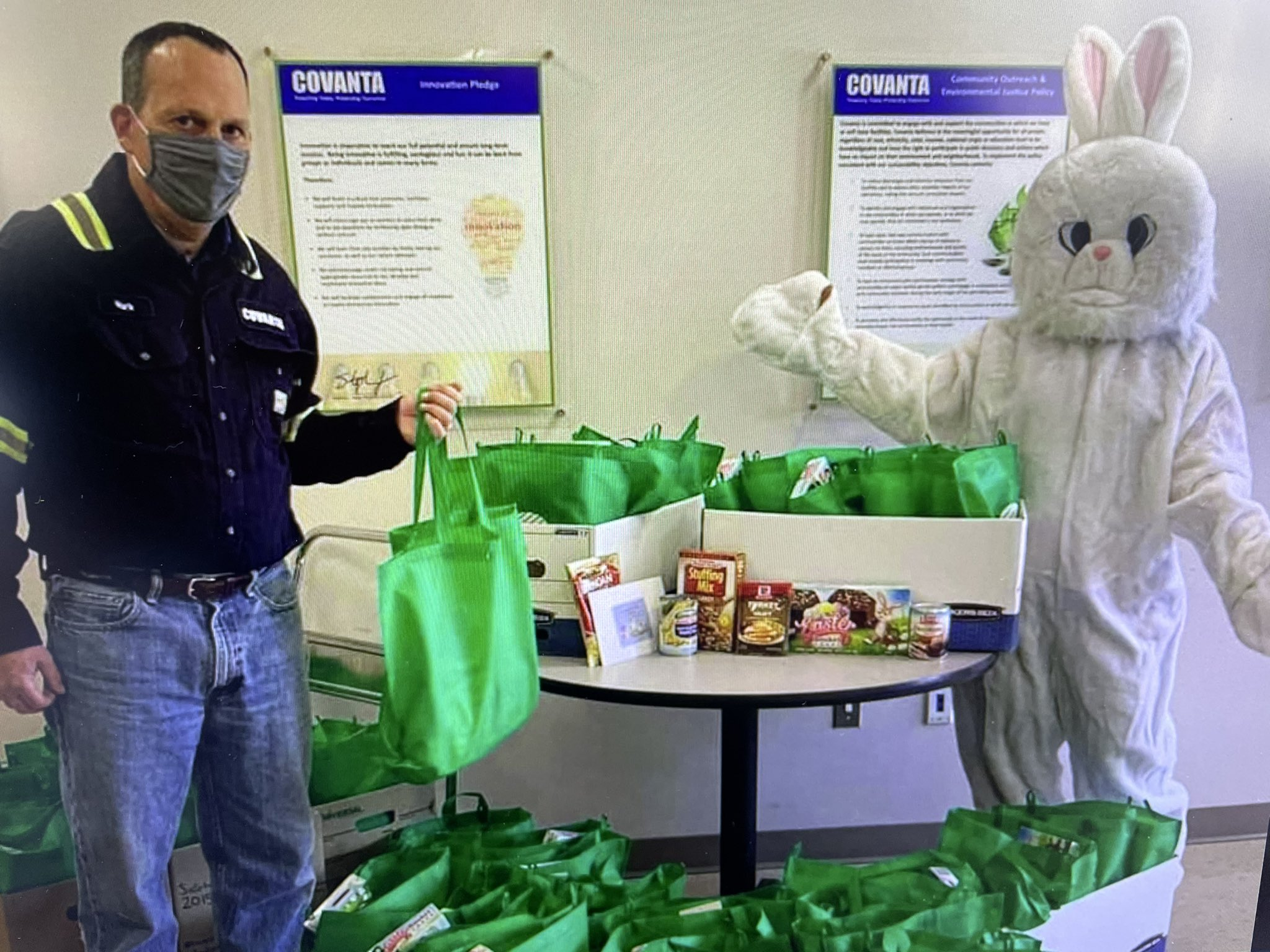SEMASS Provides Easter Dinner to Local Families