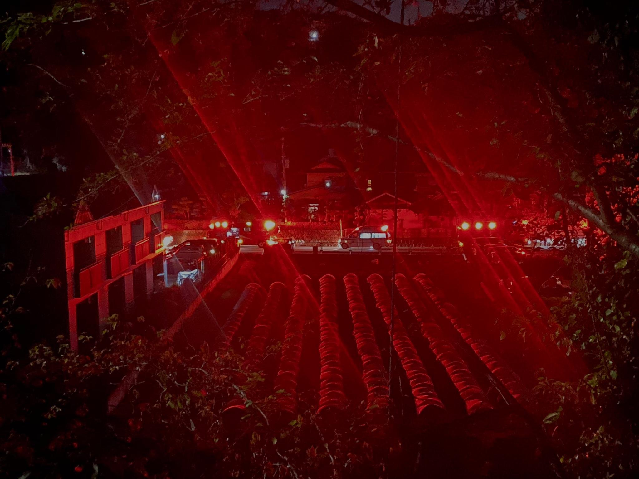 画像,小田急線の人身事故で救急車1台に消防車が3・4台もいる https://t.co/6dQbe3ho2l。