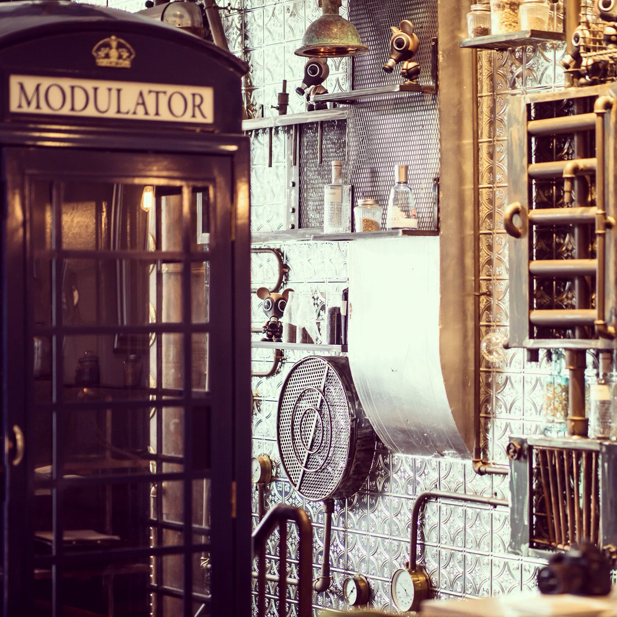 Our #beautiful #interior pairs #Victorian #steampunk with warm and #elegant furnishings... pre-book your visit in May and see for yourself . . #FloraIndica #PreBooking #IndianRestaurant #LoveLondon #EarlsCourt #Chelsea