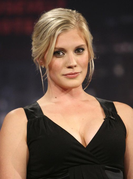 Happy 41st Birthday Shout Out to the lovely Katee Sackhoff..