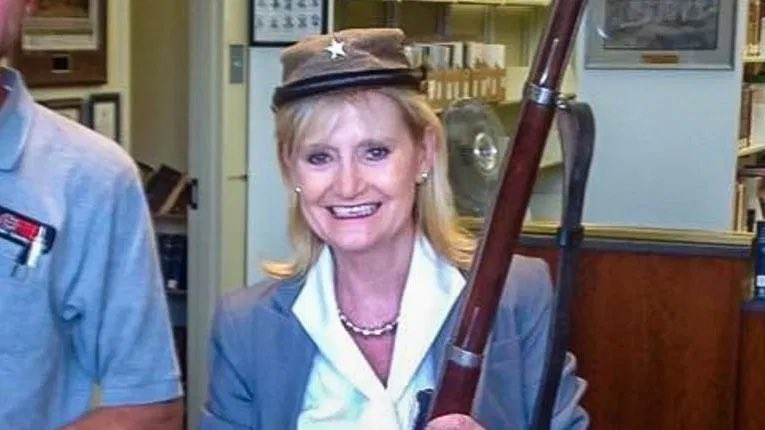 Reminder that THIS is who Sen. @cindyhydesmith is. (A shining example of #Mississippi's finest.)  #ConfederateCaucus  #11thHour @11thHour https://t.co/bAYo9Taczt