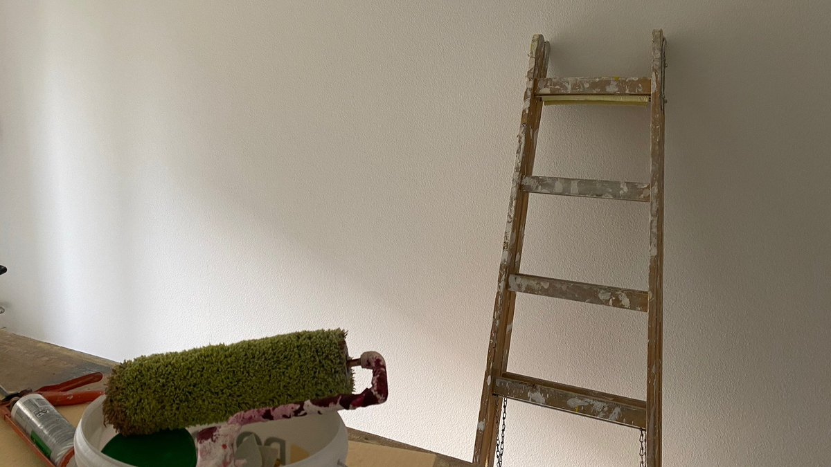 Kunden-#Maler: #Malerarbeiten in einer #Eigentumswohnung - neu #Tapezieren und #Streichen. #Umbau #Renovation #Sanierung #Kundenmaler #WirbauendieZukunftinderGegenwart #PlamenigPartner https://t.co/0wS4RzGA2G