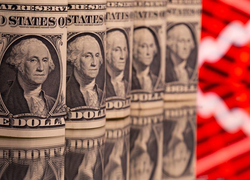 Dollar stuck near two-week lows amid lower U.S. yields https://t.co/7fU9DbdFxK https://t.co/snMhvVZQTp