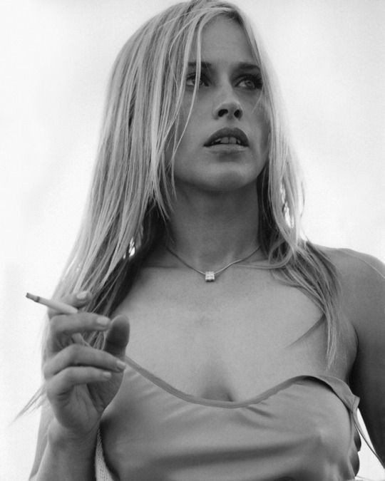 Happy Birthday, Patricia Arquette! Beautiful and quirky to the max.