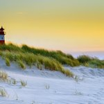 Image for the Tweet beginning: Sylt is an island in
