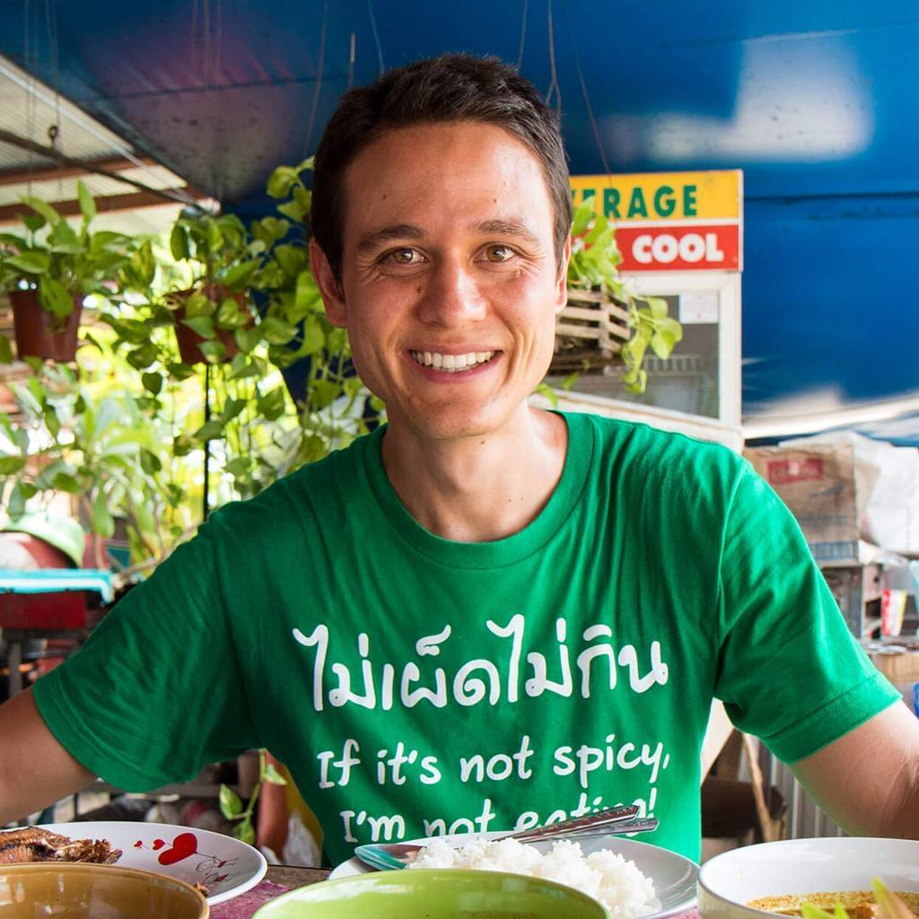 """Congratulations to Mark (@migrationology) for being awarded """"Best Influencer On Social Media (Food & Dining)"""" by @ZocialAwards. Very well deserved #Thailand https://t.co/6gXE2NOT0X"""