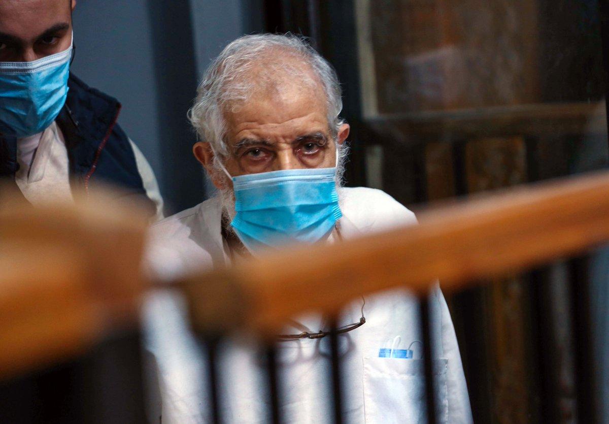 """محمود عزت الحكم عليه في مصر بالسجن المؤبد في قضية """"أحداث مكتب الإرشاد"""""""