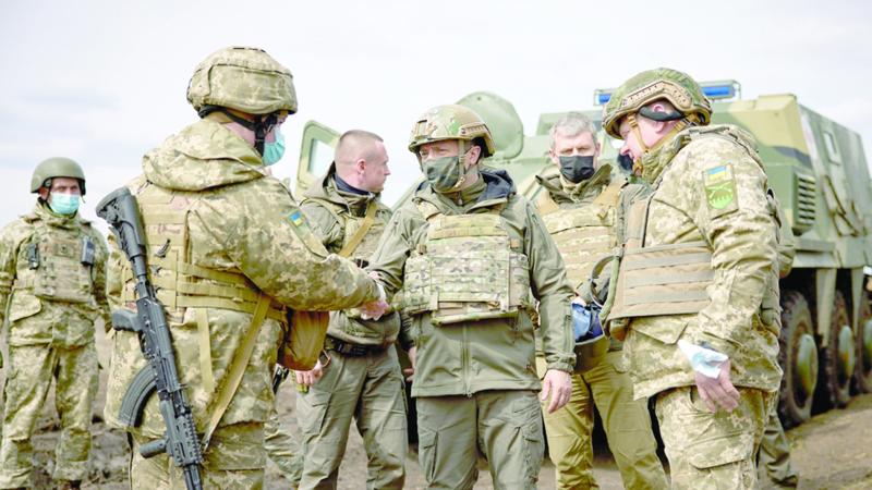 ميركل تحض روسيا على خفض قواتها عند الحدود مع أوكرانيا جريدة عمان
