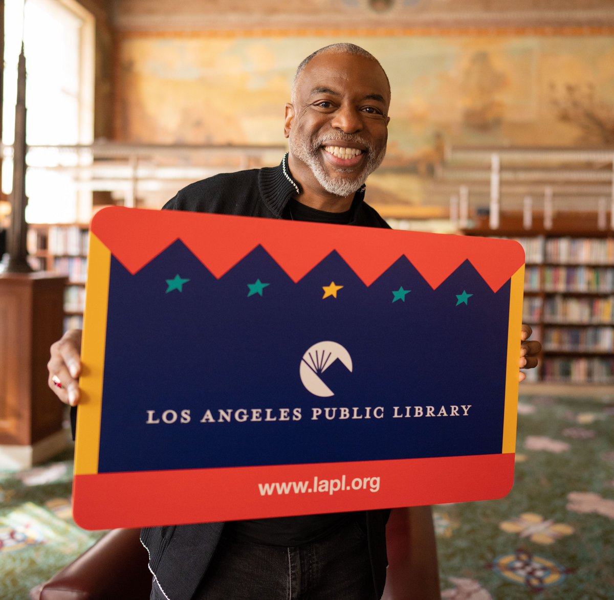 Replying to @LAPublicLibrary: Raise your hand if you were inspired to read by @levarburton. #NationalLibraryWeek