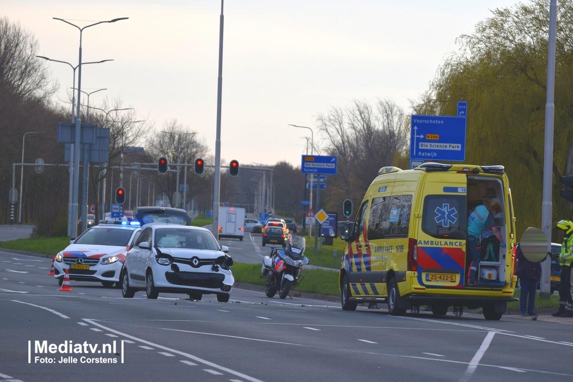 Melding ambulance Voorschoterweg Leiden inzake ongeval