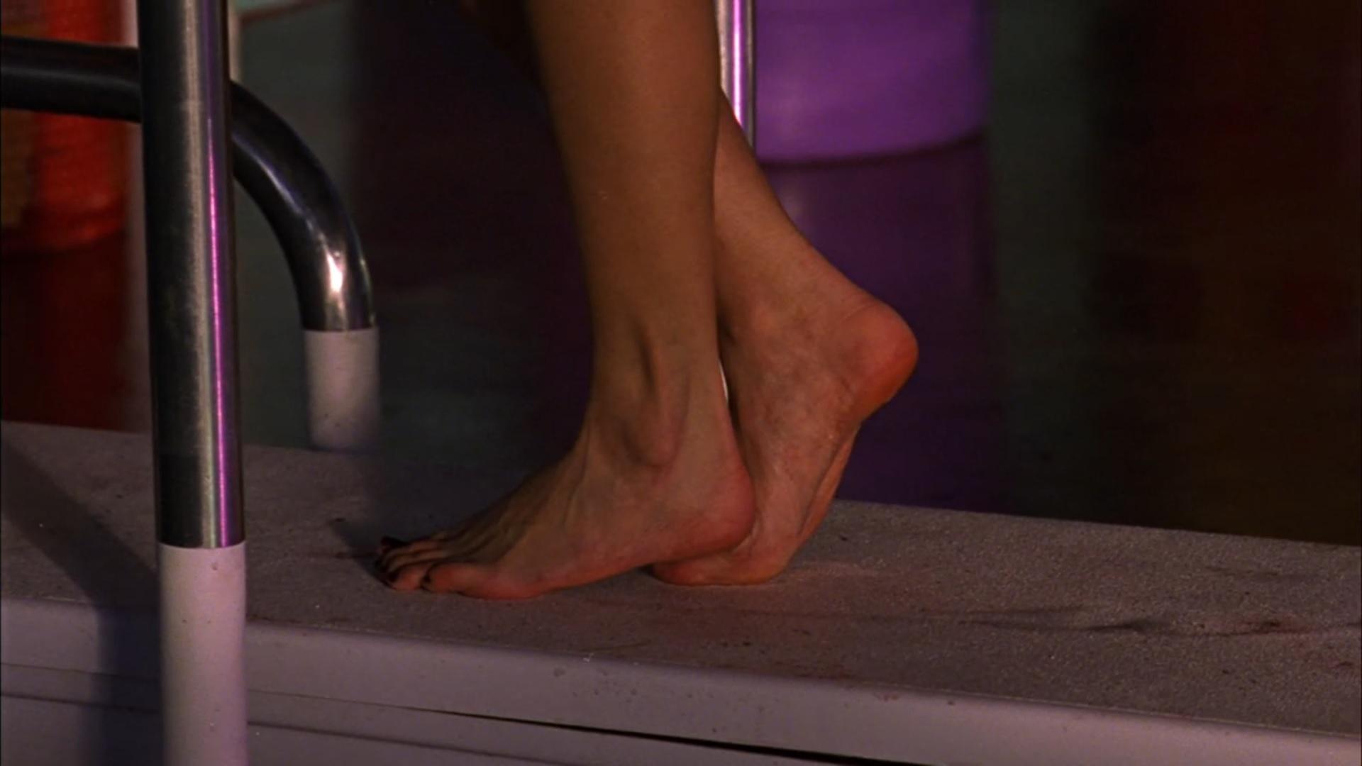 Feet kristin kreuk Kristin Kreuk