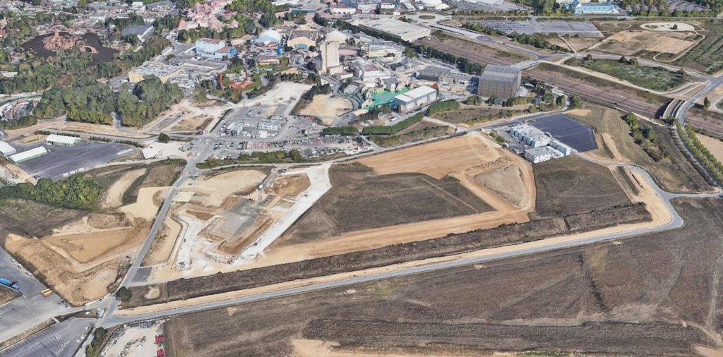Extension du Parc Walt Disney Studios avec nouvelles zones autour d'un lac (2022-2025) - Page 39 EyfKUC2WEAg2Hep?format=jpg&name=medium