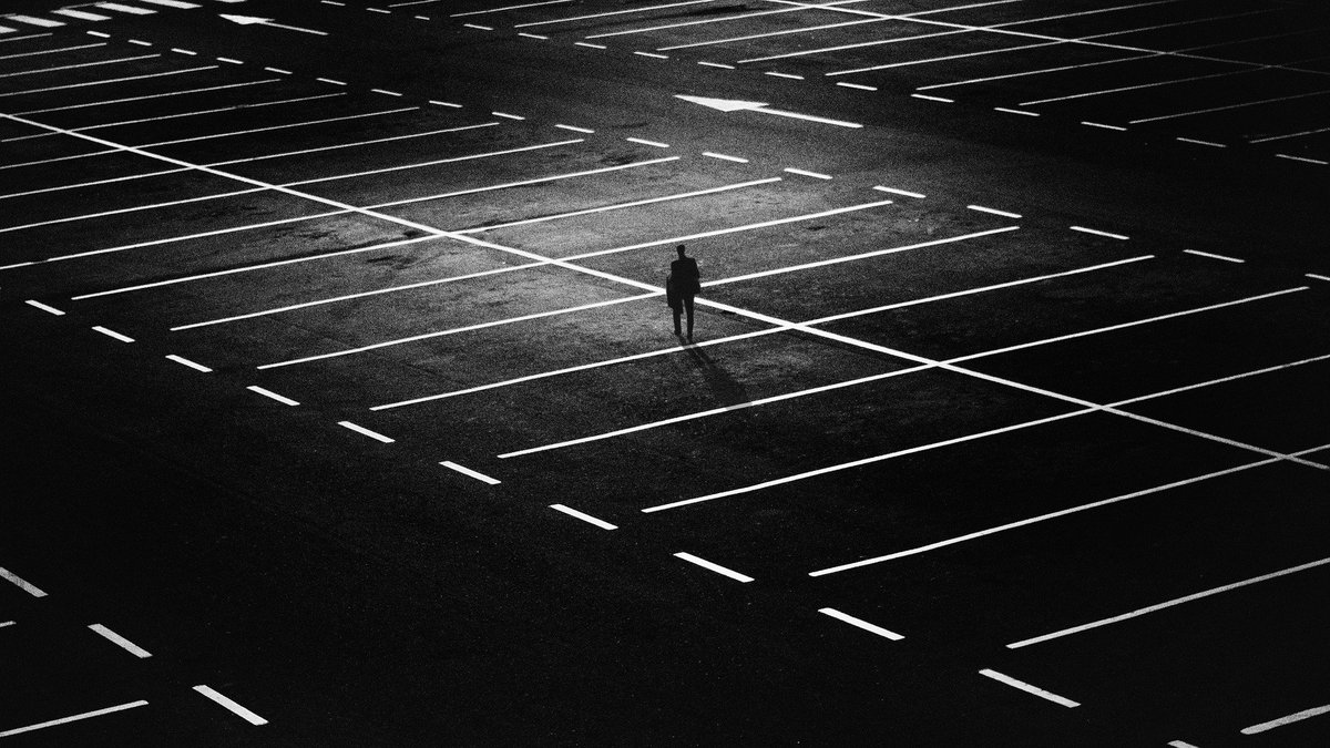 """test Twitter Media - """"No-one returned my gaze. Not one person knew me."""" from 'Cold Brightness', Carol Rumens in Poetry Review Autumn 2009 Join @PoetrySociety prompts for #NaPoWriMo 2021 Day 9's prompt is: The City https://t.co/CxjBrPjOPT"""
