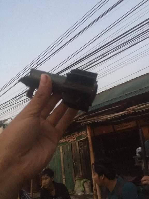 """The junta's armed forces have been attacking a key protest stronghold in Bago's Ma Ga Dit Road since 5am on Friday. Sources told Myanmar Now the gunfire is ongoing. """"They have been shooting with heavy weapons. I can still hear sound of gunfire now,"""" a Bago resident said. Photo-CJ https://t.co/NBA6UAF6F9"""