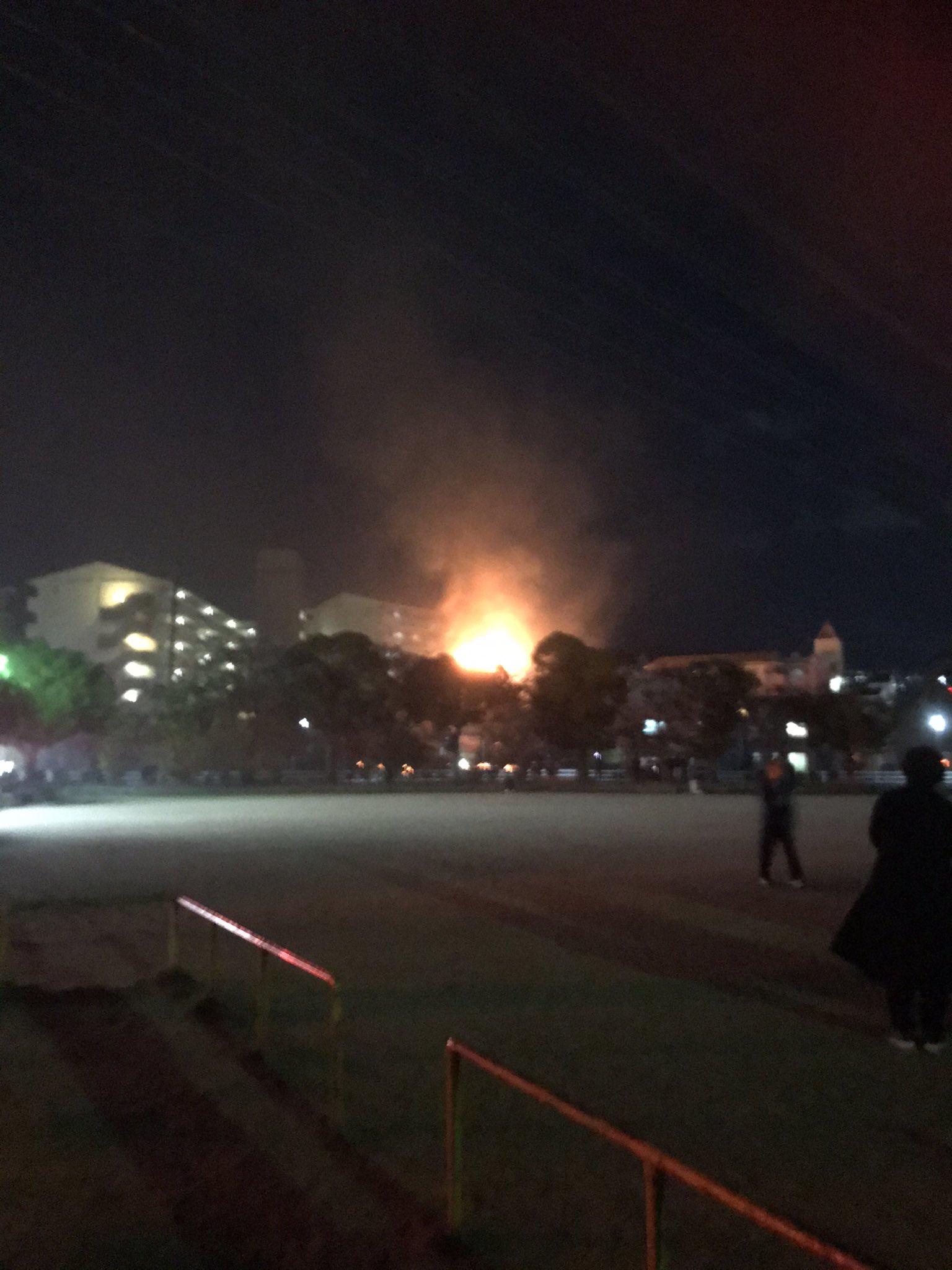宝塚市のマンションの火事の現場の画像
