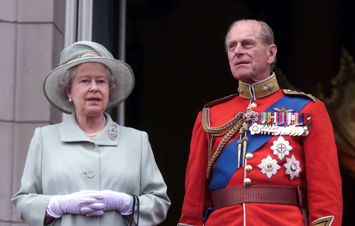 قصر باكينغهام يعلن وفاة الأمير فيليب زوج الملكة اليزابيث الثانية