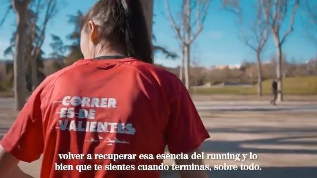 Forman el 'Equipo Liebre' de #CorrerEsDeValientes. @Mariam_Hernan y Maribel Miñaca, amantes del running obligadas a aparcarlo para ser madres, vuelven para acabar su primera media maratón empujando el carrito de sus bebés 📹 Te lo cuenta Gonzalo Miró 👉 #OfrecidoPor @Campofrio_es