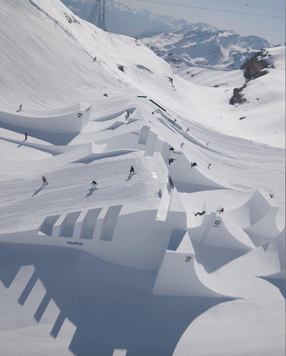 .@AudiNines 2021 is ON 🚂🚂  #AudiNines #Ski #Snowboard #MonsterEnergy https://t.co/C6DDmVHgb5